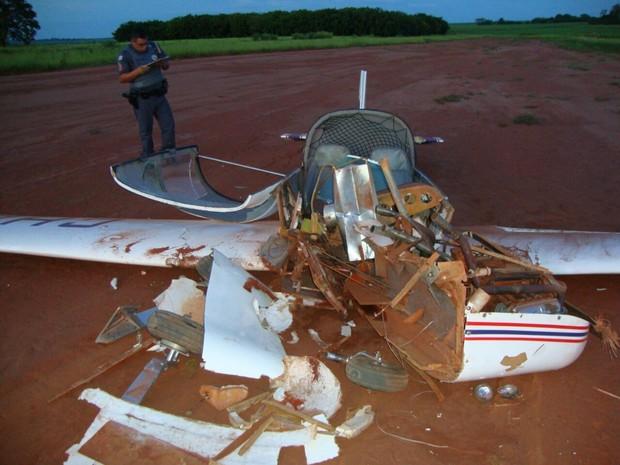 aeroporto - [Brasil] Ultraleve cai durante a decolagem em aeroporto de Jaboticabal, SP Img-20150125-wa0002