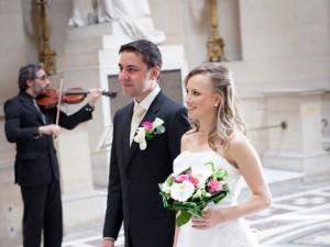 A cerimônia foi realizada na Chapelle Expiatoire. Raidel havia providenciado todos os detalhes, incluindo o vestido de noiva. (Foto: Raidel Deucher Ribeiro/VC no G1)