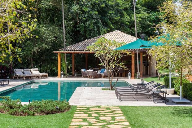 Casa no interior paulista ganha área gourmet sem prejudicar a natureza local (Foto: Tuca Reinés/Divulgação)