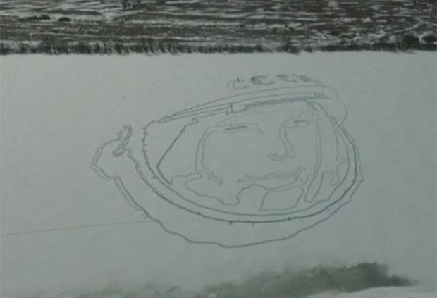 Grupo se inspirou em imagem clássica de Gagarin (Foto: Reuters)