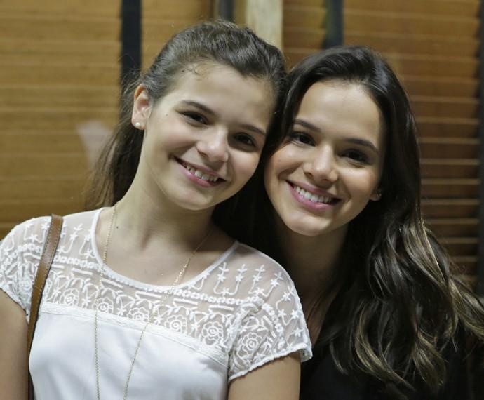 Bruna Marquezine posa com a irmã Luana (Foto: Felipe Monteiro / Gshow)