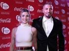 Ex-BBBs Fernando e Aline atraem olhares em tapete vermelho no Rio