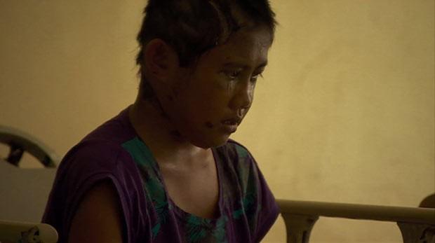 Filipina de 13 anos é resgatada após 6 dias ao lado de corpos (Foto: BBC)