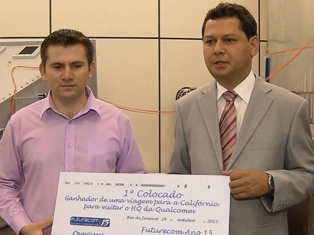 Estudantes do Inatel conquistaram o 1º lugar no prêmio (Foto: Edson Silva/ Reprodução EPTV)