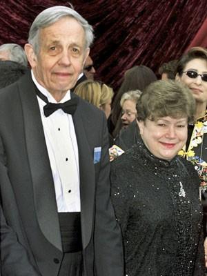John Nash e sua esposa em foto de 2002, na 74ª cerimônia do Oscar (Foto: Fred Pouser/File/Reuters)