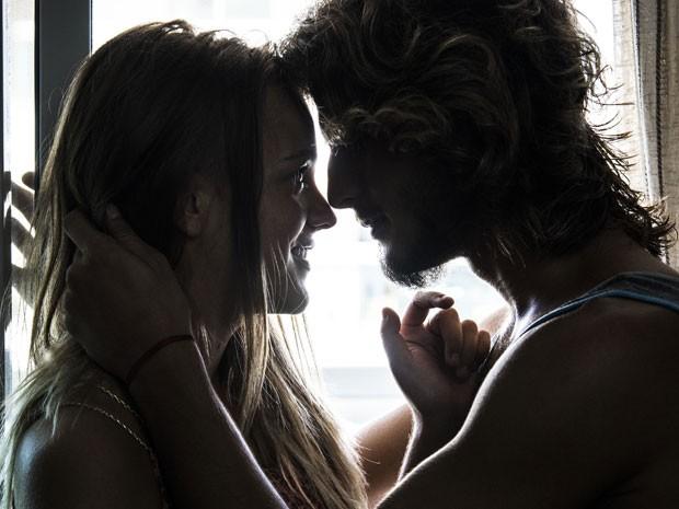 Brenno e Gabi revelam que sentiram a energia do apartamento de cara e logo se mudaram (Foto: Raphael Dias/Gshow)