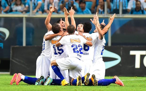 Comemoração do Cruzeiro contra o Grêmio (Foto: Vinicius Costa / Futura Press)