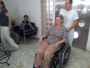 Mulher de 61 anos que deu à luz a um casal de gêmeos em Santos, SP (Foto: Mariane Rossi/G1)