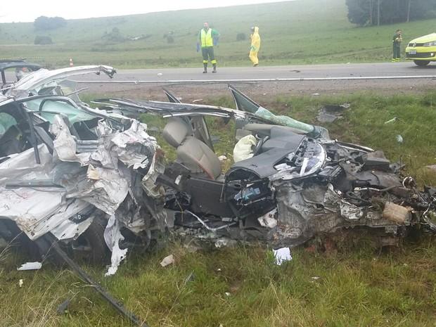 M�e e filha morreram em acidente na BR-116 nesta quinta-feira (21)  (Foto: PRF / Divulga��o)