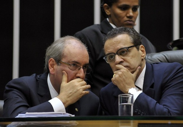 Eduardo Cunha conversa com Henrique Eduardo Alves (Foto: Luis Macedo /Câmara dos Deputados)