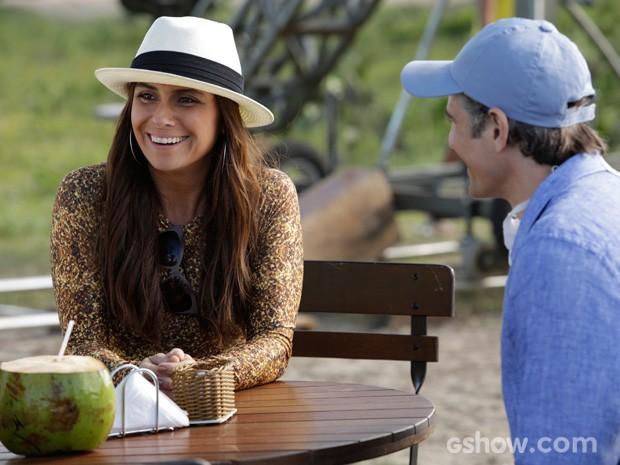 Giovanna Antonelli grava cena ao lado de Reynaldo Gianecchini (Foto: Fábio Rocha/TV Globo)