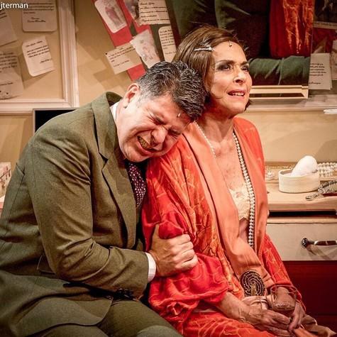 Cacau Hygino e Betty Faria na peça A atriz (Foto: Ricardo Brajterman)