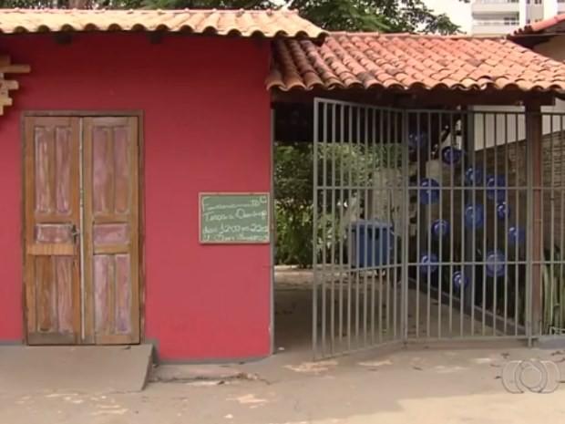 Restaurante é furtado três vezes em menos de uma semana em Goiânia, Goiás (Foto: Reprodução/ TV Anhanguera)