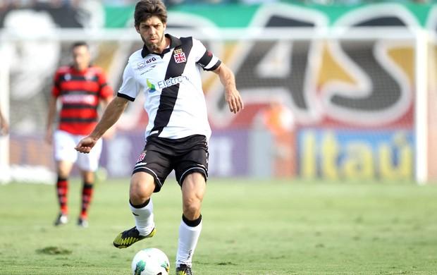 Juninho, Atlético-Go e Vasco (Foto: Adalberto Marques / Agência Estado)