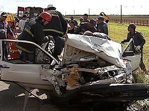 """Testemunha disse que veículo chegou a """"voar"""" na estrada (Foto: Reprodução/TV Integração)"""