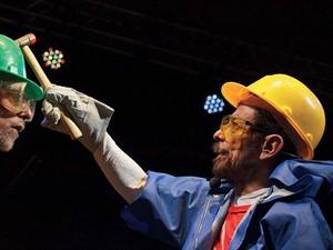 Tom Zé faz show performático no sábado (12) (Foto: Divulgação)