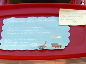 Bilhete deixado na lambreta explica que venda é na base da confiança, Lavras (Foto: Reprodução/EPTV)