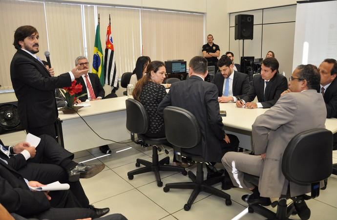 Roberto Graziano, audiência leilão Brinco de Ouro (Foto: Divulgação Assessoria de Imprensa Tribunal Regional do Trabalho da 15ª Região)