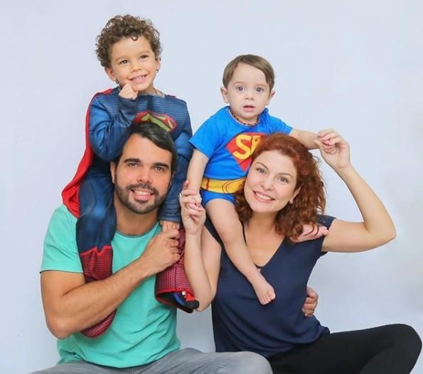 Bárbara Borges, o marido e os filhos (Foto: Reprodução / Instagram)