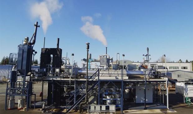 O equipamento criado pela empresa Janicki Bioenergy, com recursos da fundação de Bill Gates, transforma excrementos humanos em água e eletricidade (Foto: Reprodução/TheGatesnotes)
