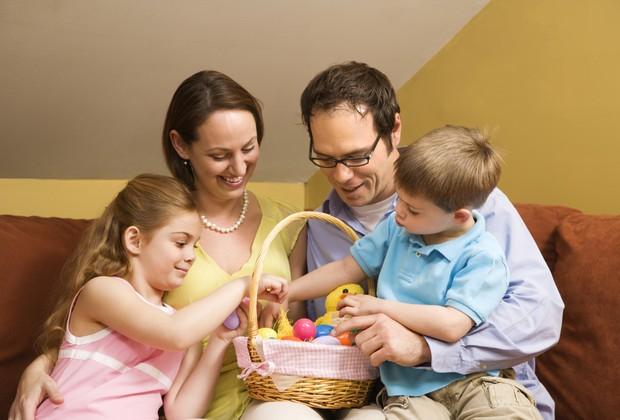 Família reunida é sinônimo de diversão na Páscoa!  (Foto: Thinkstock)