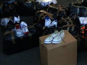 3be88dbb6 PRF apreende calçados falsificados (Foto: Divulgação/Polícia Rodoviária  Federal)