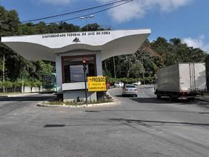 Restrição entrada caminhões na UFJF (Foto: Secretaria de Comunicação UFJF / Arquivo)