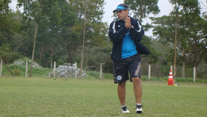Daniel Neri, técnico do Porto Sub-20 (Foto: Vital Florêncio)