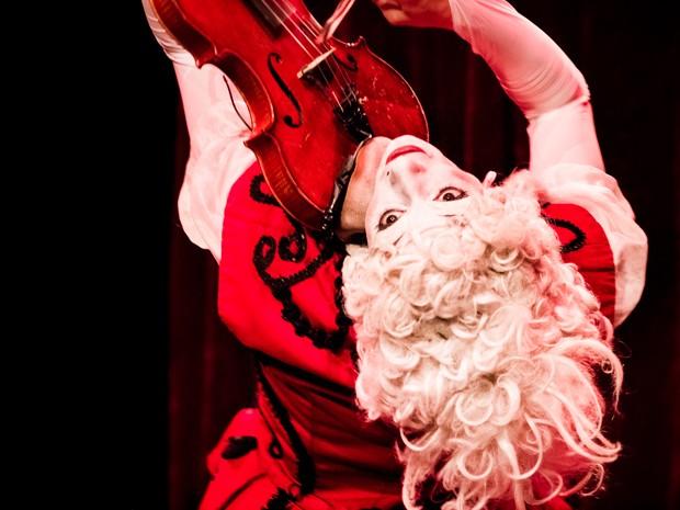Les Rois Vagabonds fazem abertura do festival e mostram proximidade circo e música  (Foto: V.Vanhecke / Divulgação)