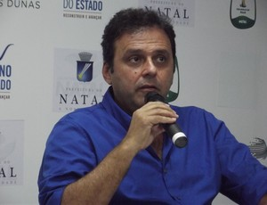 Prefeito de Natal, Carlos Eduardo Alves, também participou da vistoria na Arena das Dunas (Foto: Tiago Menezes)