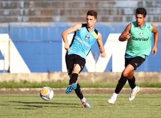 Jean Deretti pode ser titular no Gre-Nal (Foto: Lucas Uebel / Grêmio, DVG)