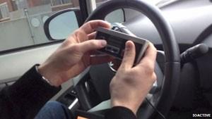 Car Hacker (Foto: IOACTIVE/BBC)