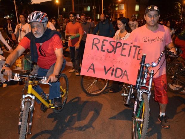 Ciclistas fazem ato após morte de estudante em Piracicaba (Foto: Thomaz Fernandes/G1)