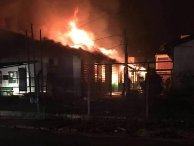 Incêndio atingiu escola em Parobé (Foto: Gilnei da Rosa/Arquivo Pessoal)