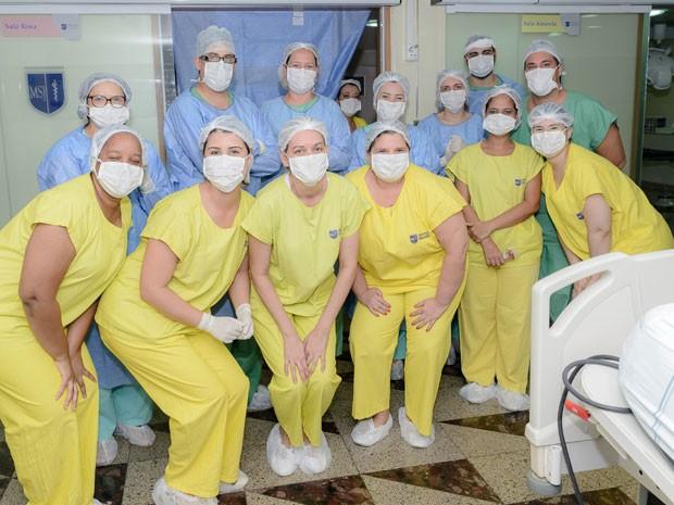 Cirurgia cesariana foi acompanhada por equipe de 28 profissionais (Foto: Divulgação/Dupla Comunicação)