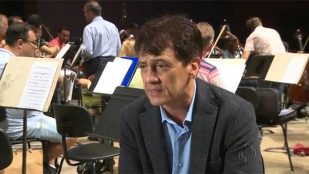 Maestro Dante Anzolini rege a orquestra a partir de 13 de março (Foto: Reprodução)