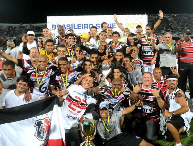 santa cruz campeão da série c 2013 (Foto: Aldo Carneiro / Pernambuco Press)