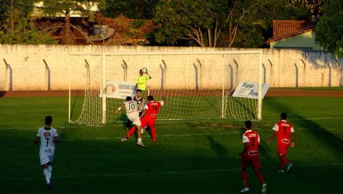 Guaraí vence o Taquarussú por 5 x 0 no Delfinão (Foto: Paulo Júnior/TV Lobão)