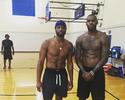 De volta aos trabalhos: LeBron e Wade se juntam para treinos em Los Angeles