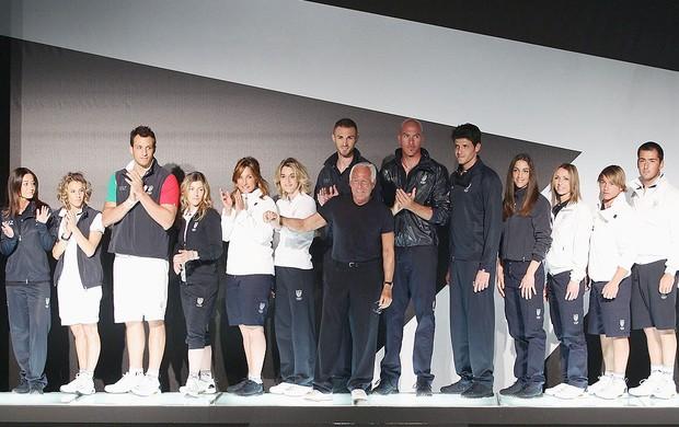 Armani apresenta o uniforme de natação da Itália para as olimpíadas de Londres (Foto: Getty Images)