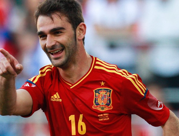 adrian lopez espanha gol sérvia (Foto: Agência Reuters)