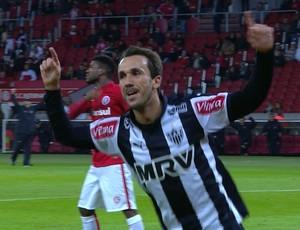 Thiago Ribeiro comemora gol pelo Atlético-MG (Foto: Reprodução/Premiere FC)