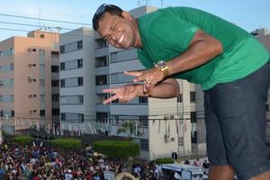 Banda Patusco agita multidão em Aracaju (Marina Fontenele/G1)