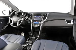Interior do Hyundai i30 1.8 2014 (Foto: Divulgação)