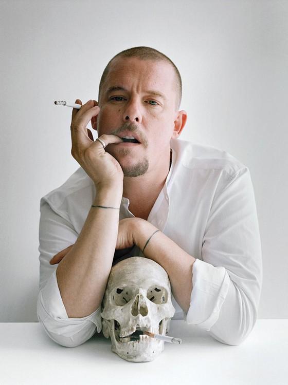 O saudoso estilista Alexander McQueen era fã do trabalho de Tim Walker  (Foto: Tim Walker)