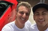 Luciano Huck grava com Neymar em Barcelona para o 'Caldeirão'