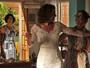 Clarice tira conclusão precipitada ao ver Paulucha de noiva