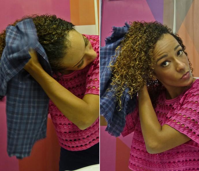 Alinne Prado mostra como gosta de secar as madeixas com pano (Foto: Brunella Menezes / Gshow)