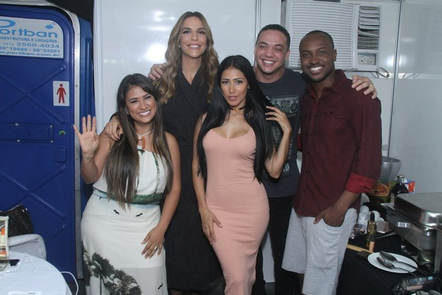 Simone e Simaria, Ivete Sangalo, Wesley Safadão e Thiaguinho no Villa Mix (Foto: Thyago Andrade- Brazilnews)