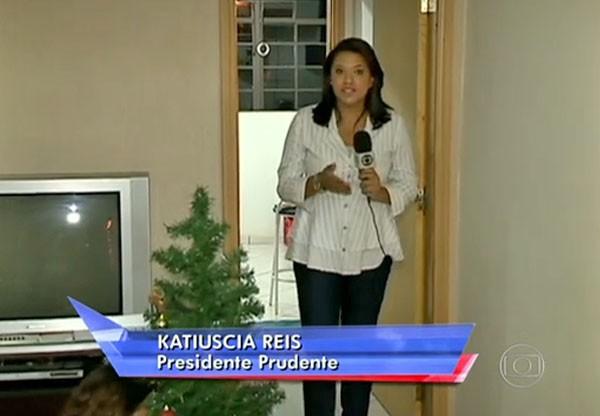 A repórter Katiuscia Reis em matéria exibida no programa Antena Paulista (Foto: Foto: Reprodução/TV Fronteira)